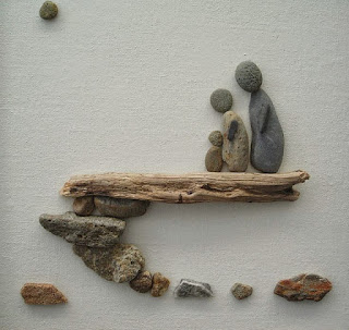 Kerajinan tangan hiasan dinding dari kerikil