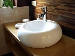 Médicos recomendam o branco para a louça sanitária dos banheiros