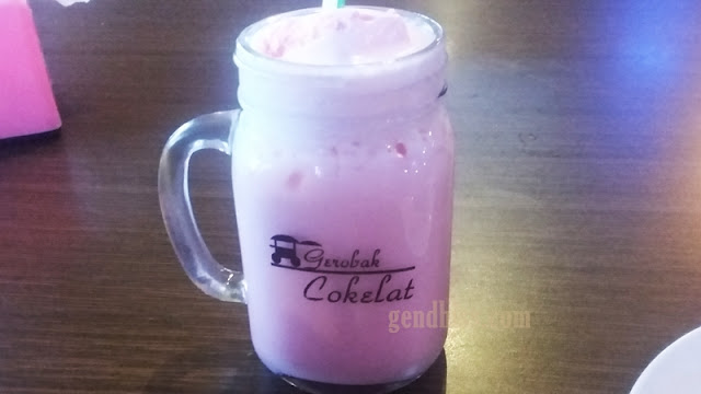 Milk Blend Strawberry
