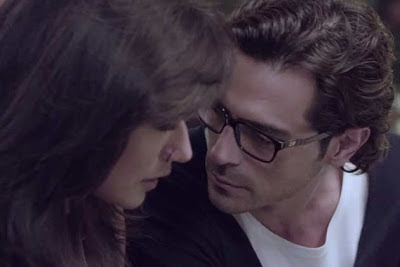 Arjun Rampal as Rahul Verma and Chitrangada Singh as Maya Luthra, getting cozy, Directed by Sudhir Mishra