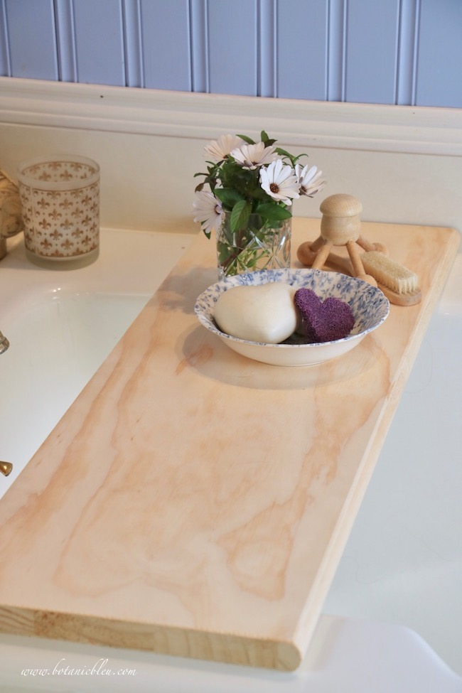 create easy romantic DIY wood bathtub tray from pine stair tread