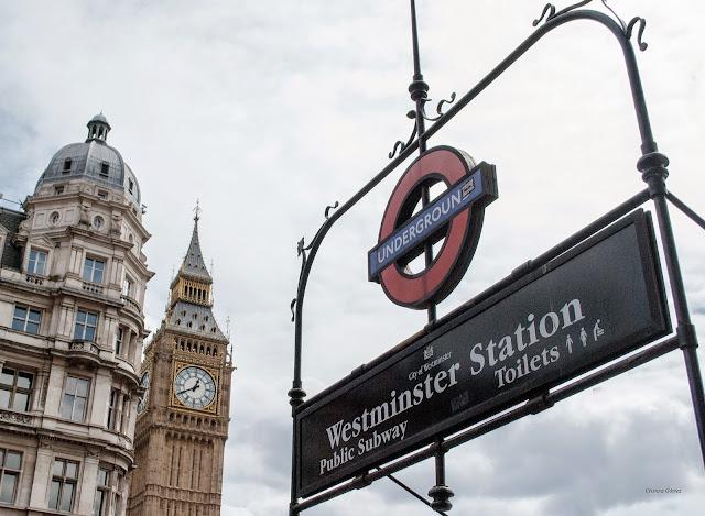 underground the tube big ben london
