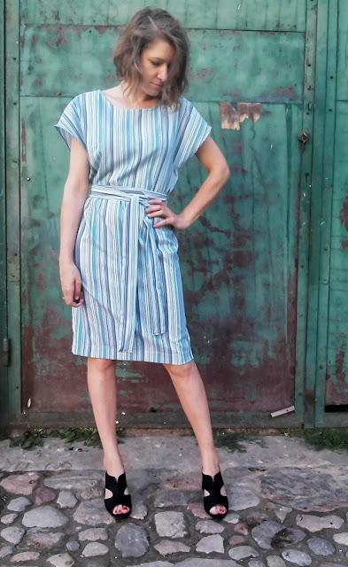 294. sukienka w paski
