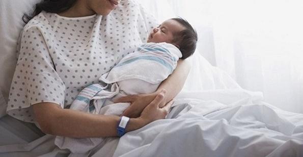 utamanya yang gres punya anak merasa resah ihwal cara merawat bayi yang baik Perawatan Bayi Baru Lahir Hingga Masa Balita (12 Tips)