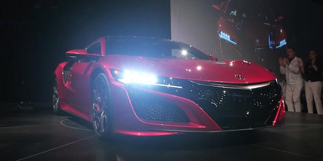 ホンダ、新型「NSX」の生産開始を発表!第一号車は約1億3200万円で落札したオーナーへ。