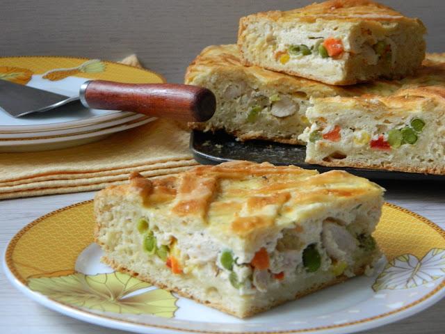 Placinta cu pui si legume