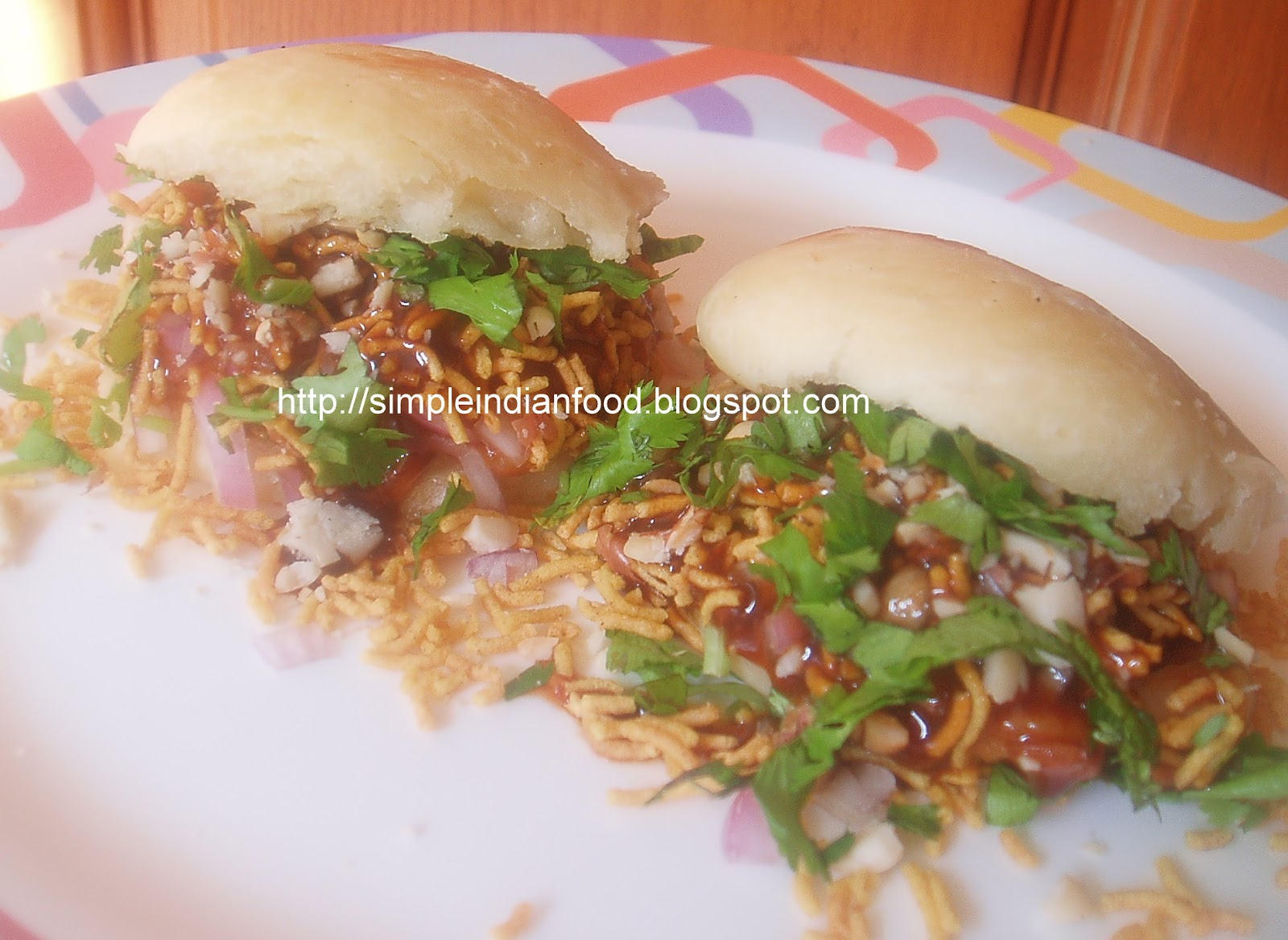 Simple Indian Food- An Easy Cooking Blog: Kutchi Dabeli