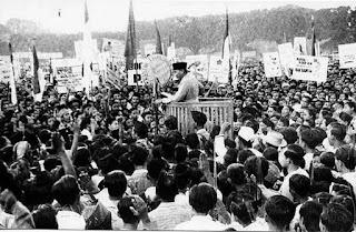yang menjadi moment besar bagi bangsa Indonsesia dan eksklusif Proses Terbentuknya NKRI dan Dukungan Daerah Terhadap Pembentukan NKRI