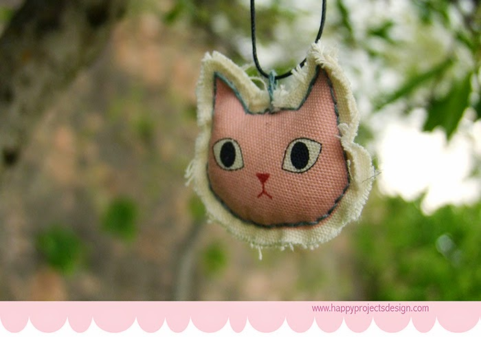 DIY collar de tela reversible: gatito