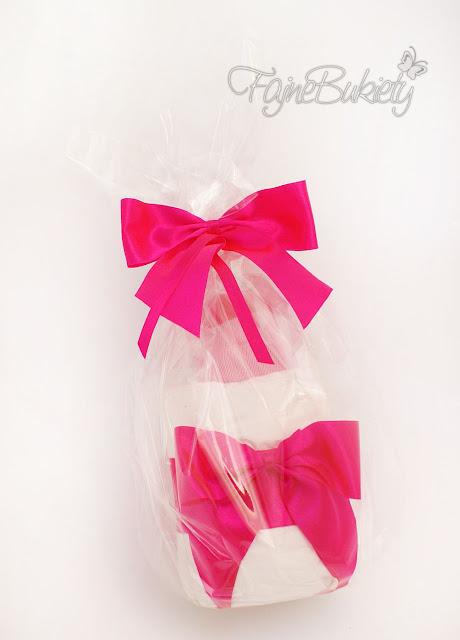 butelka prezent upominek z pampersów pieluszek