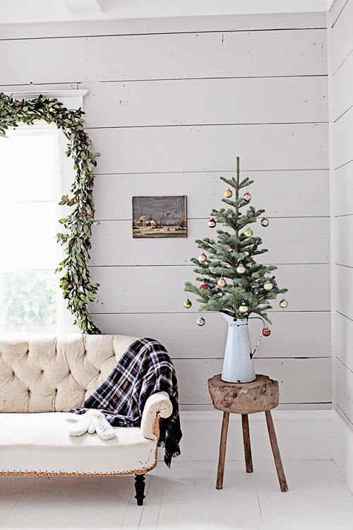 Farmhouse style Christmas and holiday decorating inspiration from Dreamy Whites - found on Hello Lovely Studio