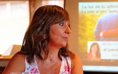 Susana en la presentación del libro