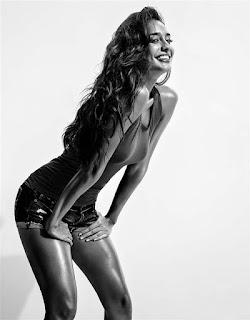 Lisa Haydon Hot Picture