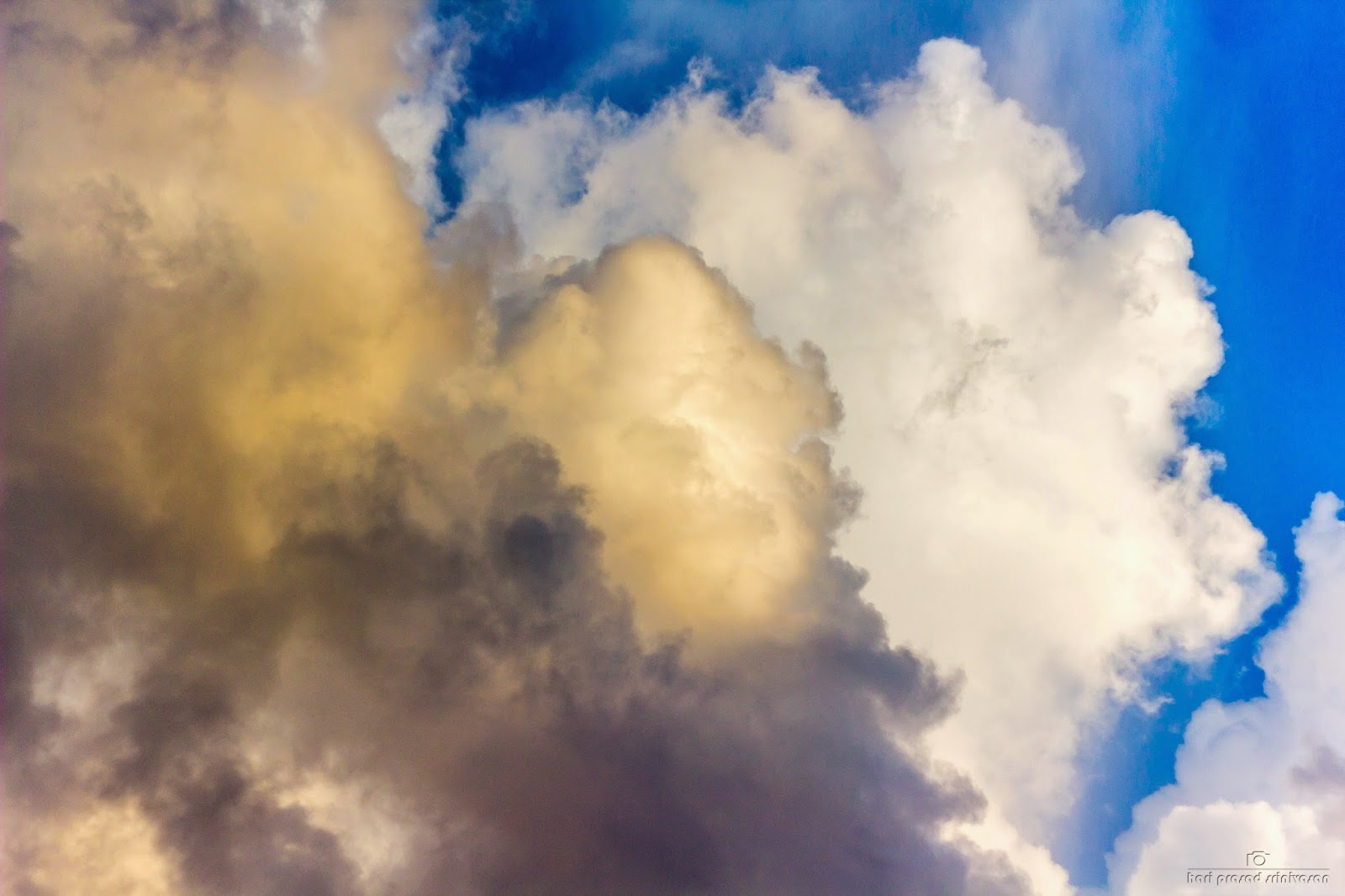 Cloud formation with a high dynamic range