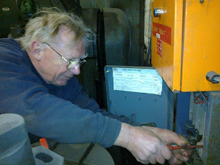 John has been continuing electrical testing in the workshop