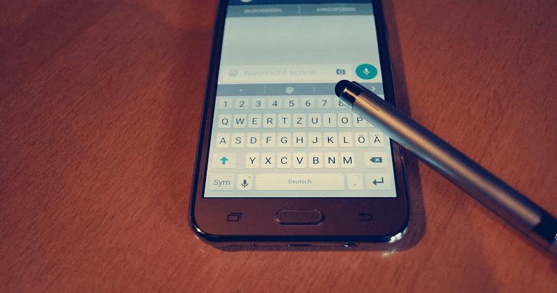 WhatsApp Messenger berhasil menjadi layanan pesan instan yang mungkin ada di setiap smart Cara Chatting di WhatsApp Tanpa Menyimpan Nomor Telepon