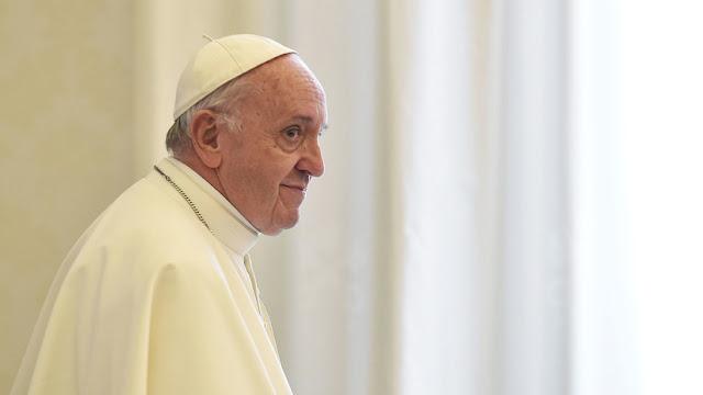 """El papa Francisco afirma que las noticias falsas son un """"pecado muy grave"""""""