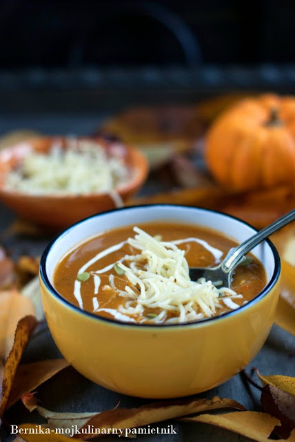 halloween, zupa, dynia, obiad, bernika, kulinarny pamietnik, makaron, lubella