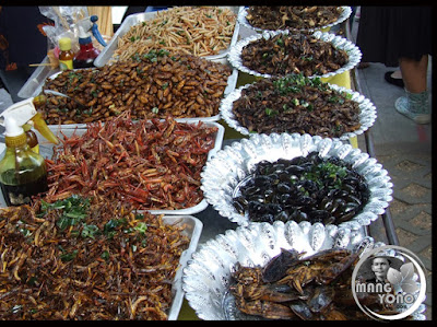 Di Thailand masakan Ulat daun pisang laris diserbu pembeli