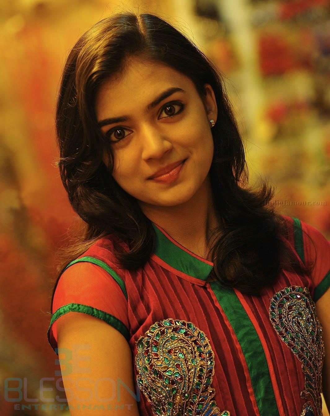 Nazriya Nazim Cute Photos: Free Actor & Actress Photo Galleries,wallpapers & Imgs