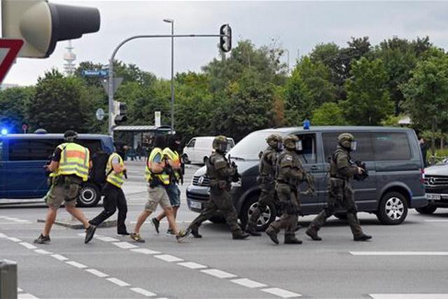 Πυροβολισμοί σε εμπορικό κέντρο στο Μόναχο