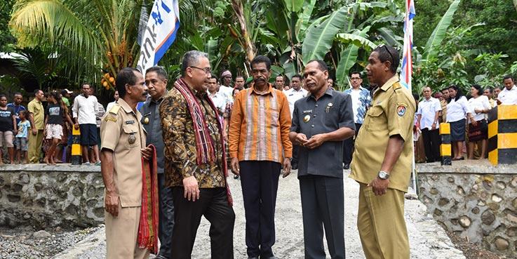 Mendes PDTT, Eko Sandjojo melakukan kunjungan kerja ke Desa Teluk Kenari.