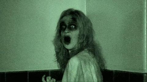 Fantasma le hace anal a su amiga de trabajo - 5 3
