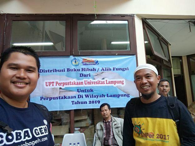 Coba Geh Matic Pustaka Pringsewu Mendapatkan Hibah Buku dari UPT Perpustakaan Universitas Lampung