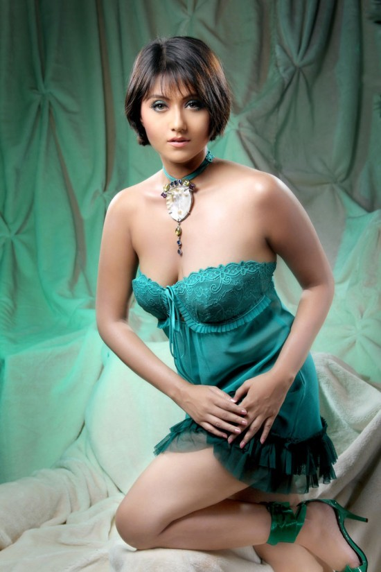 Tamil hot girls nude for laptop image