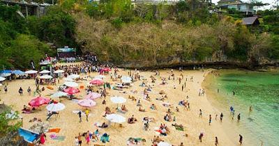 Pantai Padang-padag Pecatu, pantai indah di bali