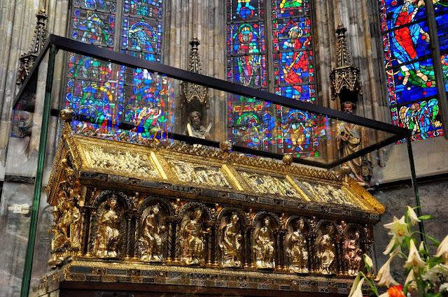 Karlsschrein - gotycki relikwiarz Karola Wielkiego
