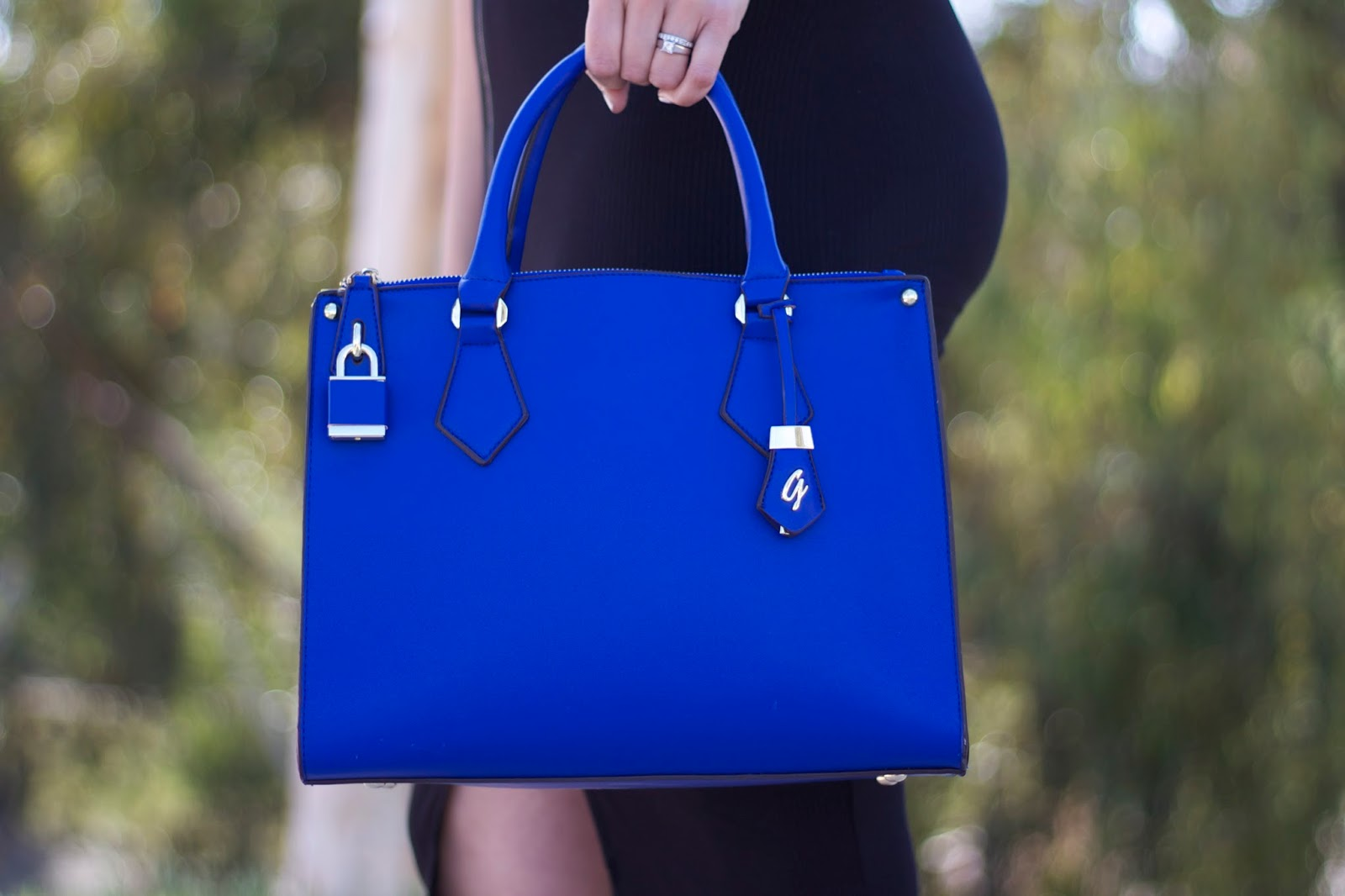 Galian Handbag blogger, blue handbag, blue galian handbag, blue structured bag