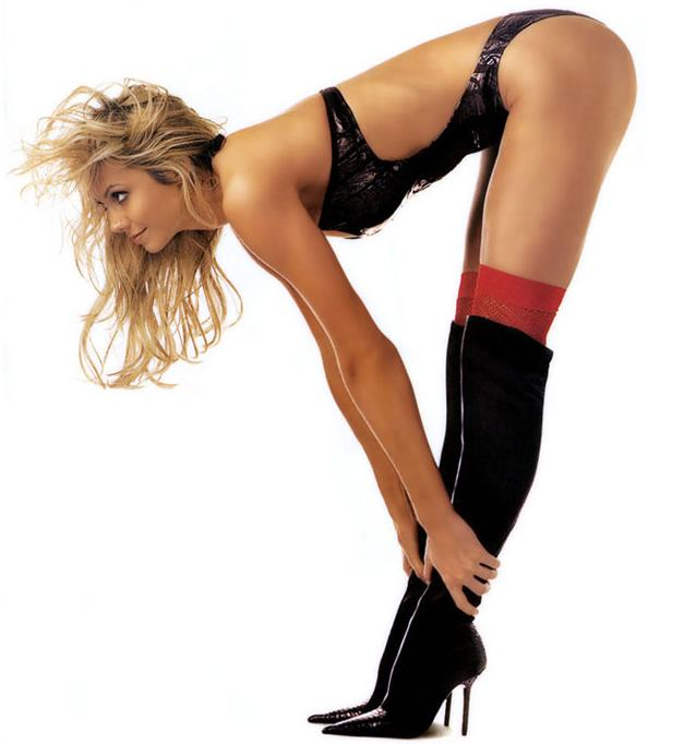 How Long Are Stacy Keibler Legs 32