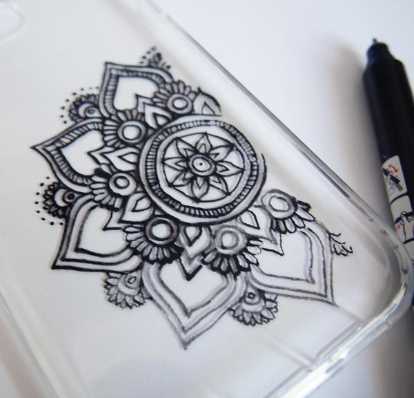 DIY : Coque de téléphone mandala
