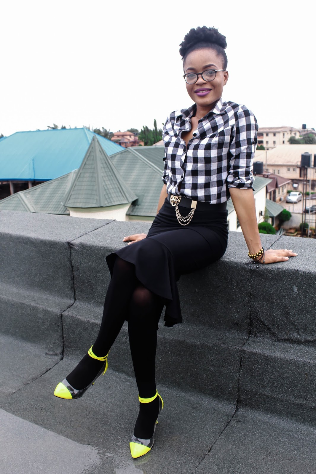 how to dress modest, yellow shoes on black outfit, cedar adinfono