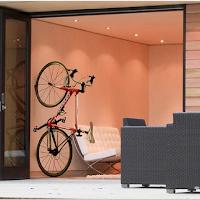 Un support qui se fixe au mur pour ranger son vélo