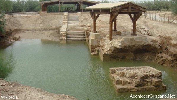 Lugar donde Jesús fue bautizado en Maghtas, Jordania