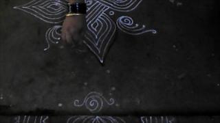 Diwali-rangoli-wtih-lines-1410ai.jpg