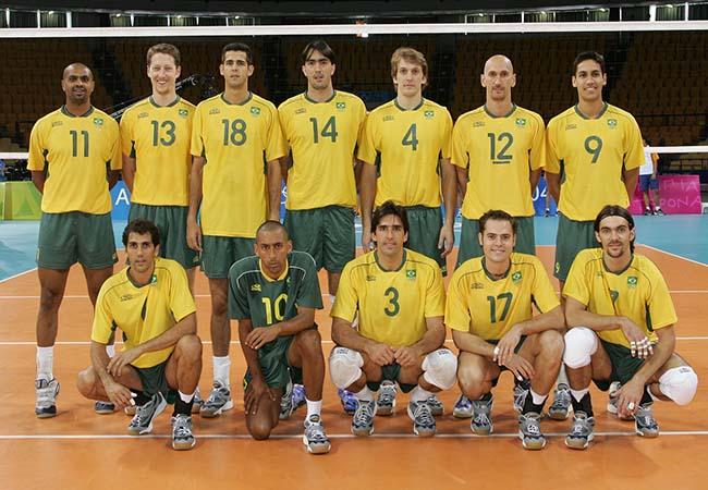 02e844071392f Seleção Brasileira de 2004 foi campeã Olímpica em Atenas. (Foto  Divulgação  CBV)