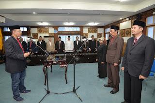 <b>Gubernur NTB Lantik Staf Ahli, Mutasi Kedepan Harus Diisi Oleh Calon Pemimpin Profesional</b>