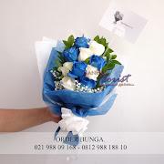 toko buket bunga, jual bunga buket, blue rose dan white rose, bunga ulang tahun, handbouquet, toko bunga jakarta
