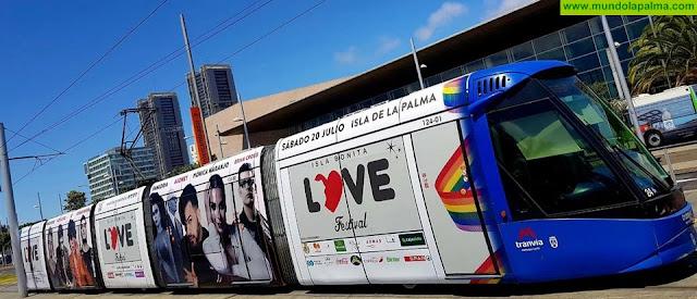 El Isla Bonita Love Festival 'sale a la calle' en tranvía de Tenerife