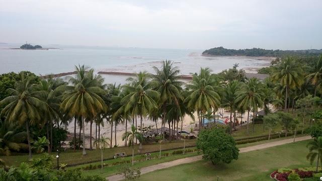 Seabeach Batam View Resort and seen Pulau Putri - Image: Author