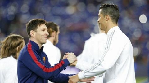 Trong năm 2016 thì Messi đang lép vế về danh hiệu trước Ronaldo