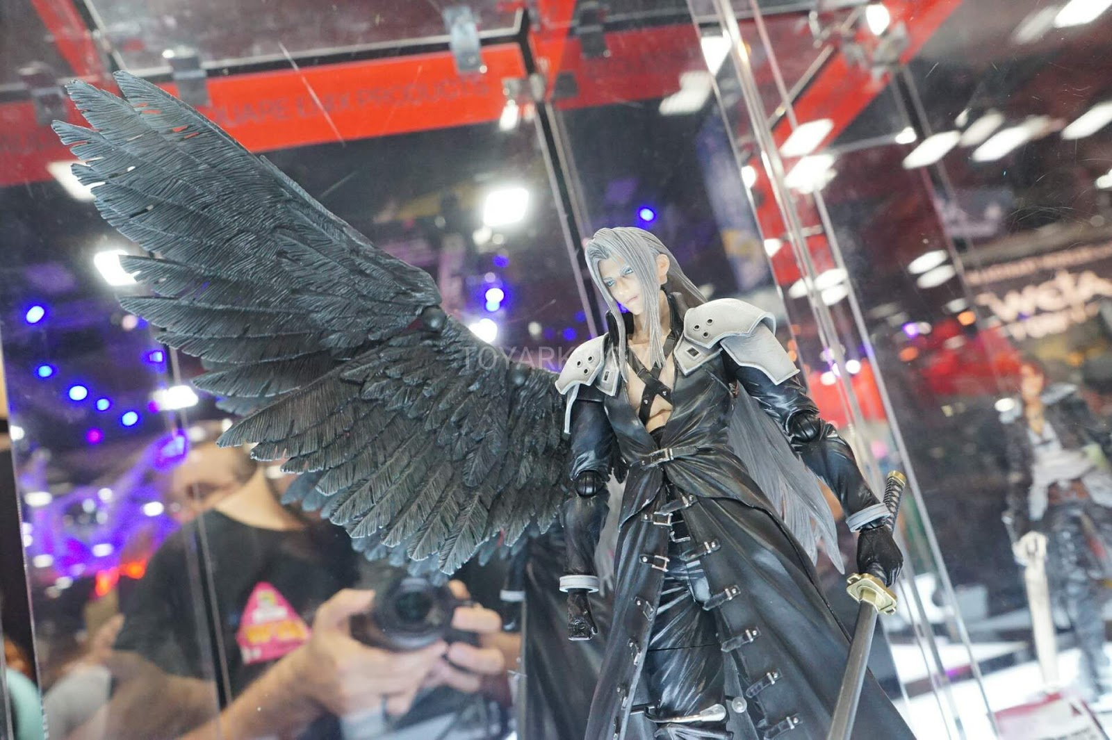 This Final Fantasy Vii Action Figure Ain T No Angel N4g