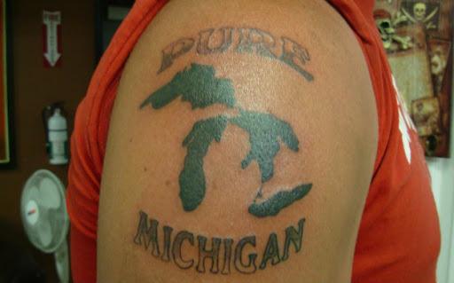 Este michigan orgulho de tatuagem