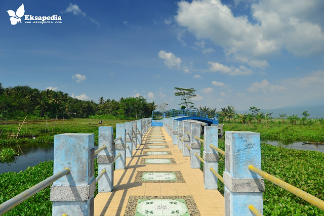 Jembatan Biru Rawa Pening