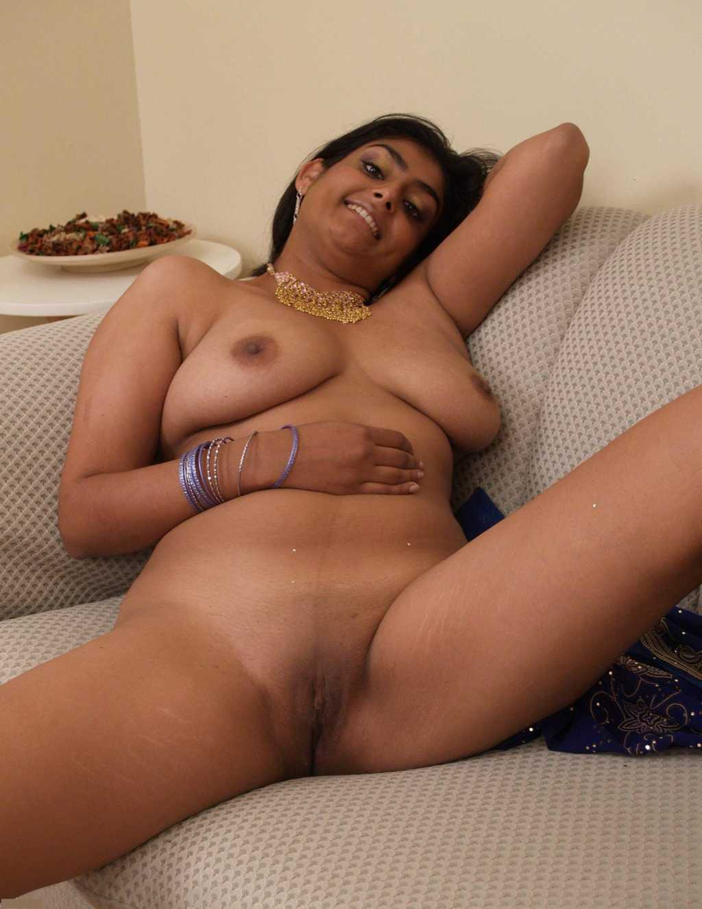 hot indian nude pussy open