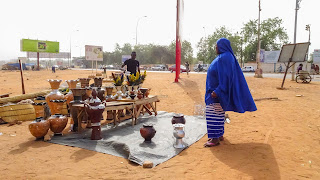 There is no christmas visible in Niger but shopping works fine