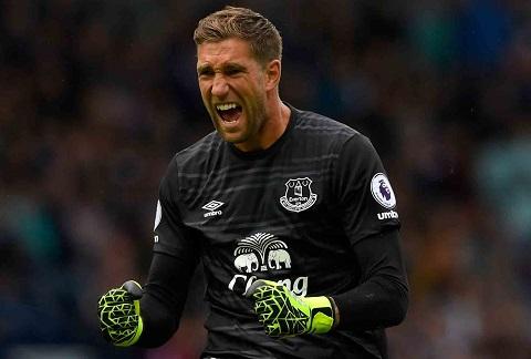 Everton gia hạn với Stekelenburg đến 2020 là một nước cờ rất thông minh.